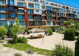 Просторный апартамент на первой линии моря в Дюн Резиденс. Фото 1