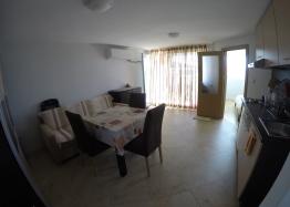 Недорогая двухкомнатная квартира в Святом Власе. Фото 6
