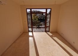 Новый трехкомнатный апартамент на первой линии Святого Власа. Фото 8
