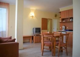 Двухкомнатная квартира в элитном комплексе на Солнечном берегу в Болгарии. Фото 9