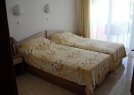 Двухкомнатная квартира на продажу в Лазур-2. Фото 4