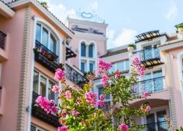 Двухкомнатная квартира в красивом комплексе на Солнечном берегу. Фото 1