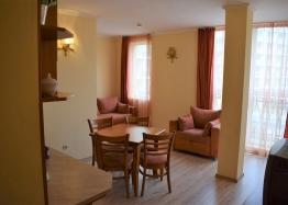 Двухкомнатная квартира в элитном комплексе на Солнечном берегу в Болгарии. Фото 10