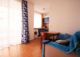 Двухкомнатная квартира в тихой части Солнечного Берега. Фото 2