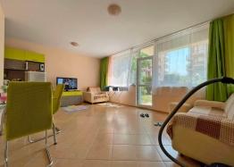 Купить недорогую двухкомнатную квартиру в Солнечном Береге. Фото 1