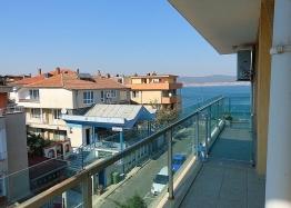 Отличный апартамент на первой линии моря в Несебре. Фото 5
