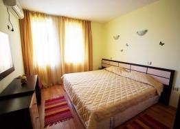 Двухкомнатная квартира на первой линии в Царево. Фото 4