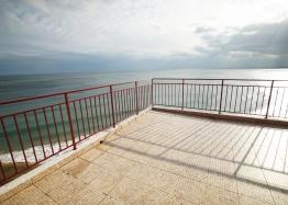 Уникальная квартира на первой линии моря. Фото 1