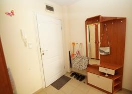 Двухкомнатная меблированная квартира на Солнечном Берегу в 150 метрах от пляжа. Фото 12