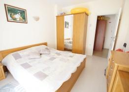 Двухкомнатная меблированная квартира на Солнечном Берегу в 150 метрах от пляжа. Фото 8