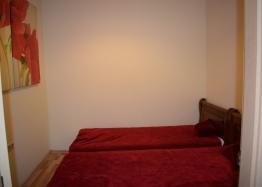 Квартира с двумя спальнями на первой линии в Сансет Резорт Поморие. Фото 13