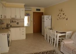 Трехкомнатный апартамент на первой линии в Созополе. Фото 3