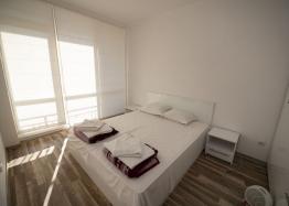 Новая трехкомнатная квартира в центре Солнечного Берега. Фото 5