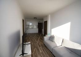 Новая трехкомнатная квартира в центре Солнечного Берега. Фото 2