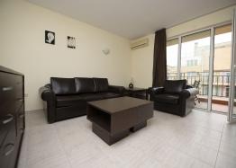 Просторная двухкомнатная квартира в Солнечном Береге. Фото 2