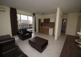 Просторная двухкомнатная квартира в Солнечном Береге. Фото 1