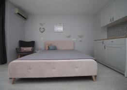 Новая студия с мебелью в Солнечном Береге. Фото 2