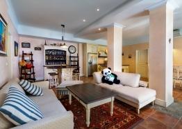 Фешенебельный апартамент у моря в Созополе в Санта Марина. Фото 1