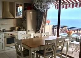 Двухуровневая квартира с видом на море в Святом Власе. Фото 2