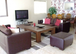 Большой дом на продажу в Равде. Фото 4