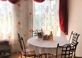 Купить двухкомнатную меблированную квартиру в Сарафово. Фото 2