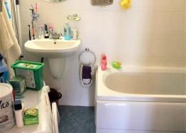 Купить двухкомнатную меблированную квартиру в Сарафово. Фото 11
