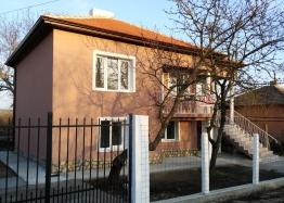 Продажа дома в поселке Дюлево Бургасской области. Фото 1