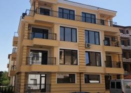 Новая квартира в доме без таксы поддержки в Несебре. Фото 1