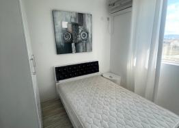Новая красивая трехкомнатная квартира в жилом доме в центре Равды. Фото 7