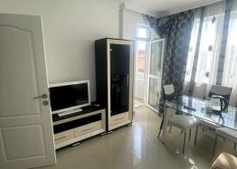 Новая красивая трехкомнатная квартира в жилом доме в центре Равды. Фото 11