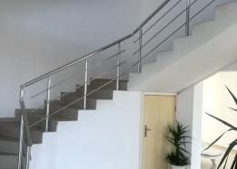 Новая красивая трехкомнатная квартира в жилом доме в центре Равды. Фото 15