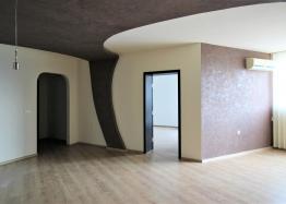 Просторная квартира с двумя спальнями в красивом комплексе. Фото 1
