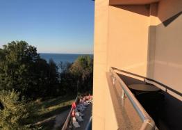 Студия на первой линии моря в Царево. Фото 1