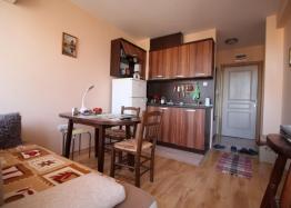 Двухкомнатная квартира в элитном Мессембрия Палас. Фото 1