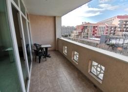 Квартира на первой линии в комплексе Сансет Резорт Поморие. Фото 5