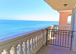Студия с панорамным видом на море на первой линии. Фото 1
