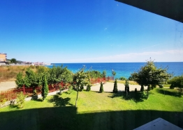 Двухкомнатная квартира с панорамным видом на море на первой линии. Фото 7