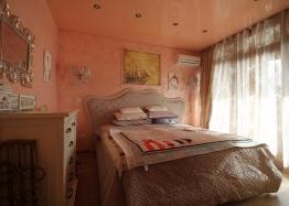Шикарный двухкомнатный апартамент в Святом Власе на первой линии моря. Фото 7