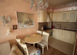 Шикарный двухкомнатный апартамент в Святом Власе на первой линии моря. Фото 3