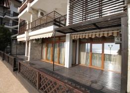 Шикарный двухкомнатный апартамент в Святом Власе на первой линии моря. Фото 13
