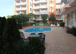 Двухкомнатная квартира в комплексе Санни Гарденс, Солнечный Берег. Фото 1