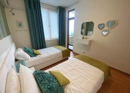 Недорогая трехкомнатная квартира в Солнечном Береге. Фото 7
