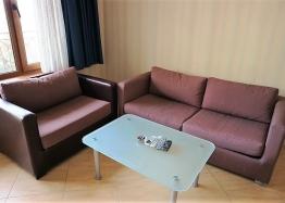Недорогая трехкомнатная квартира в курорте Солнечный Берег. Фото 3