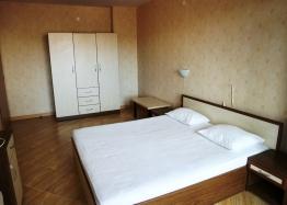 Недорогая трехкомнатная квартира в курорте Солнечный Берег. Фото 6