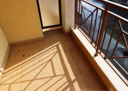 Недорогая трехкомнатная квартира в курорте Солнечный Берег. Фото 9