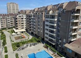 Новая трехкомнатная квартира с видом на озеро по супер-цене в элитном здании. Фото 5