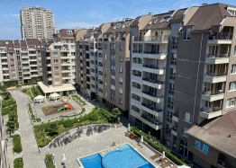 Трехкомнатная квартира с видом на озеро в новом элитном здании. Фото 10