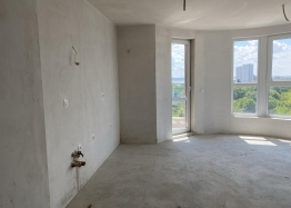 Трехкомнатная квартира с видом на озеро в новом элитном здании. Фото 3
