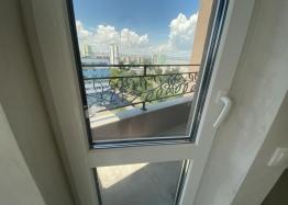 Новая трехкомнатная квартира с видом на озеро по супер-цене в элитном здании. Фото 20