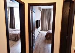 Трёхкомнатный меблированный апартамент на Солнечном берегу . Фото 17